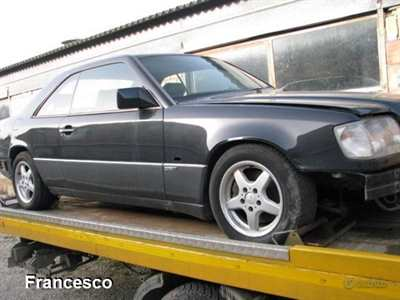 Mercedes 300 ce-24 anno 1994 nera
