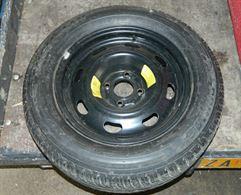 Pneumatico Michelin 205 60 R15 91W con cerchione Peugeot