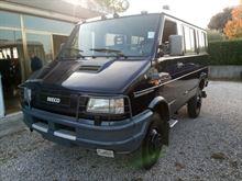 Disponibili veicoli speciali ex reparti Carabinieri
