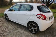 Peugeot 208 5p Allure 1,6 8V 92 CV Stop & Start